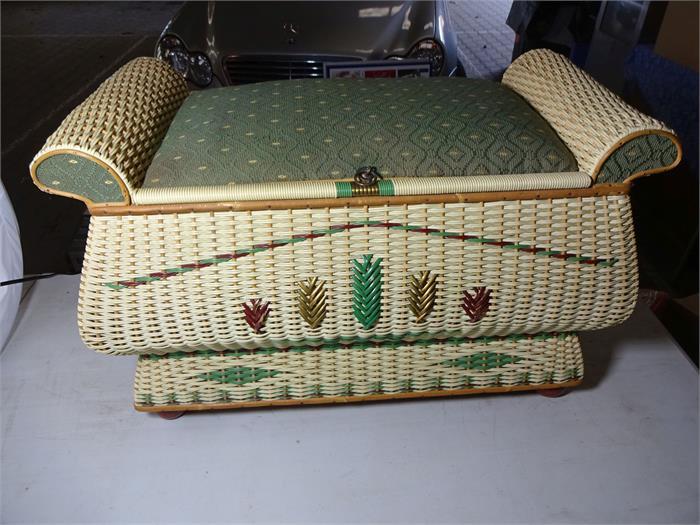 1 bank truhe rattan 70 42 44 cm objektdetail weis weis. Black Bedroom Furniture Sets. Home Design Ideas